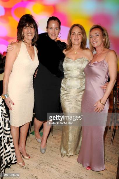Kay Unger Susan Plagemann Tess Dempsey and Denise Seegal attend Parsons 2009 Fashion Benefit Honoring Calvin Klein's Tom Murry and Francisco Costa at...