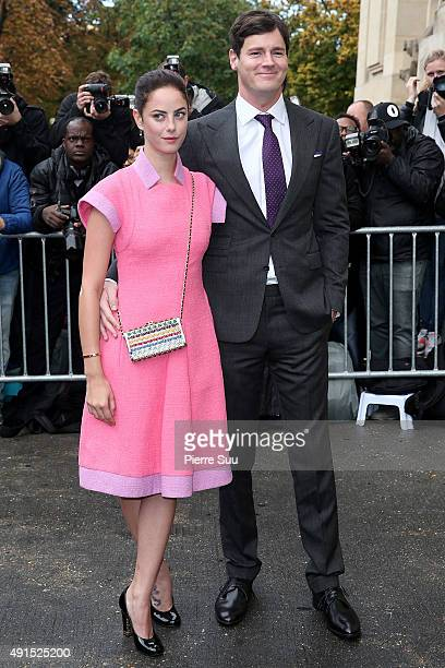 Kaya Scodelario and Benjamin Walker arrive at the Chanel show as part of the Paris Fashion Week Womenswear Spring/Summer 2016 on October 6 2015 in...