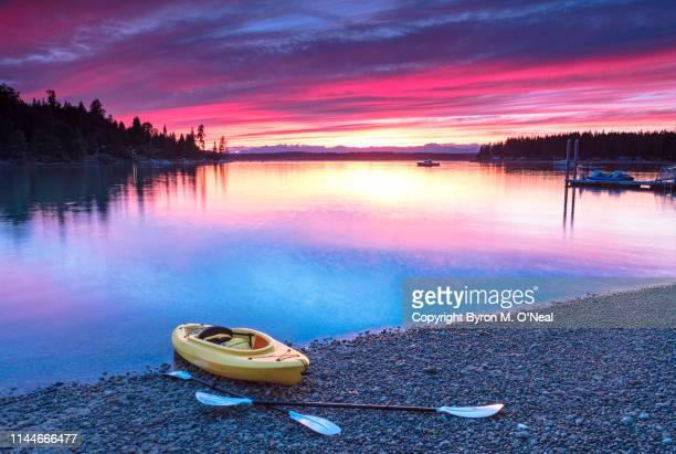 kayak in cove - puget sound stock pictures, royalty-free photos & images