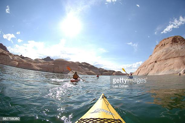 kayakers on lake powell - lake powell stock pictures, royalty-free photos & images