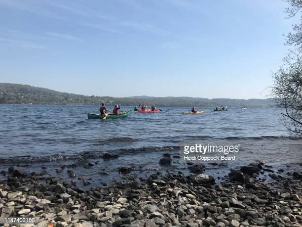 kayakers - heidi coppock beard - fotografias e filmes do acervo