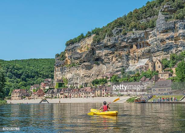 kayaking on the dordogne - phil haber stock pictures, royalty-free photos & images