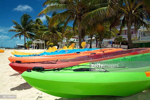 Kayaks sur la plage