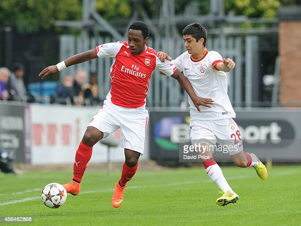 Kaylen Hinds of Arsenal holds off Soner Gonul of Galatasaray during the UEFA Youth League match between Arsenal and Galatasaray at Meadow Park on...