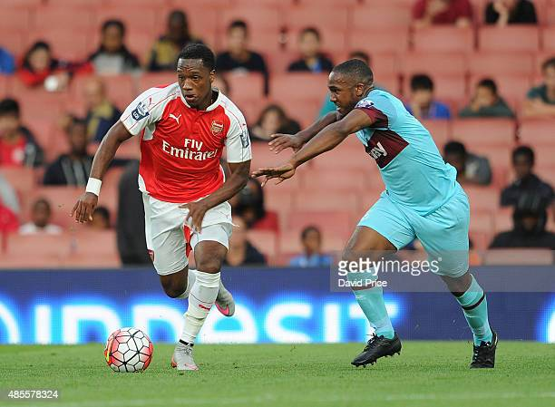 Kaylen Hinds of Arsenal is challenged by Emmanuel Onariase of West Ham during the match between Arsenal U21 and West Ham United U21 at Emirates...