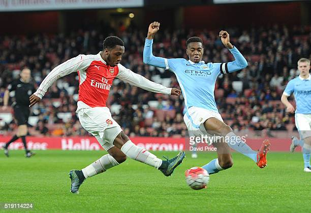 Kaylen Hinds of Arsenal shoots under pressure from Tosin Adarabioyo of Manchester City during the match between Arsenal U18 and Manchester City U18...