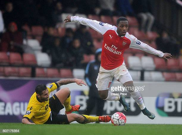 Kaylen Hinds of Arsenal takes on Lewis Kinsella of Villa during the U21 Premier League match between Arsenal U21 and Aston Villa U21 at Meadow Park...
