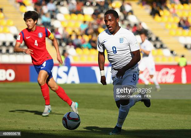 Kaylen Hinds of England runs with the ball during the FIFA U17 World Cup Group B match between Korea Republic and England at Estadio Francisco...