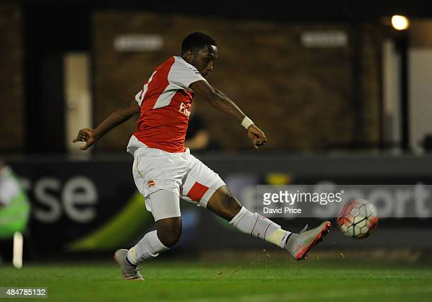 Kaylen Hinds scores Arsenal's 3rd goal during the match between Arsenal U21 and Derby County U21 at Meadow Park on August 21 2015 in Borehamwood...