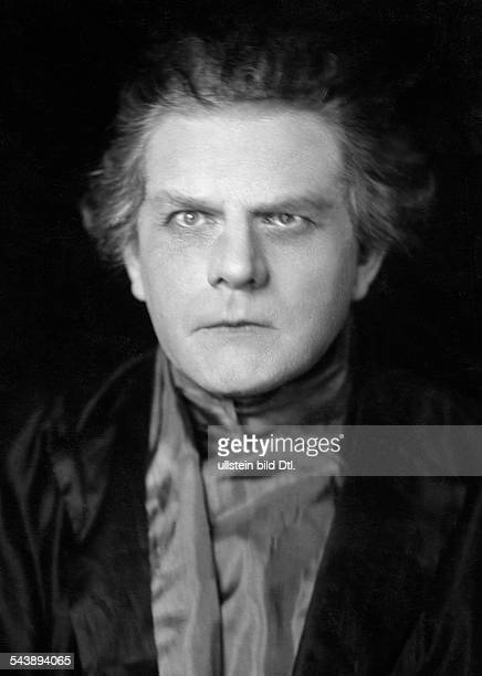 Kayssler Friedrich Actor Writer Composer Germany *07041874 as 'Faust' in the play 'Don Juan und Faust' by Christian Dietrich Grabbe Theater in der...