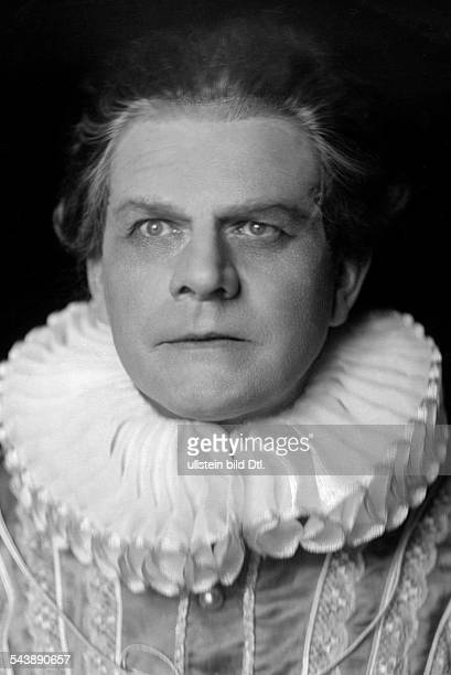 Kayssler Friedrich Actor Writer Composer Germany*07041874 as 'Faust' in the play 'Don Juan and Faust' by Christian Dietrich Grabbe Theater in der...