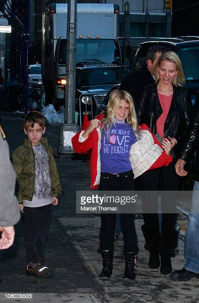Kayte Walsh Jude Gordon Grammer and Mason Olivia Grammer visit Late Show With David Letterman at the Ed Sullivan Theater on January 13 2011 in New...