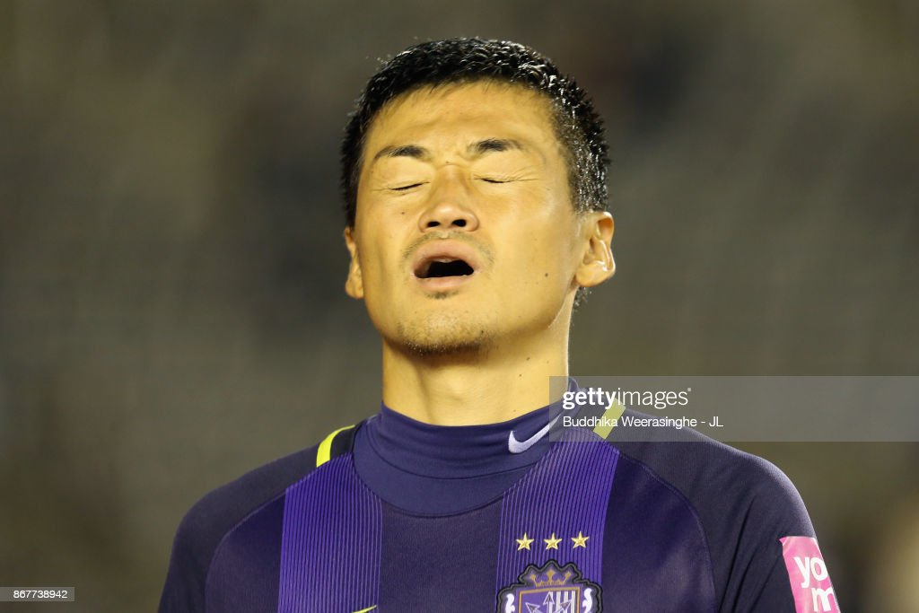 Sanfrecce Hiroshima v Urawa Red Diamonds - J.League J1 : ニュース写真