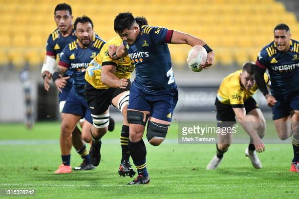 Kazuki Himeno of the Highlanders in action during the round 10 Super Rugby Aotearoa match between the Hurricanes and the Highlanders at Sky Stadium...