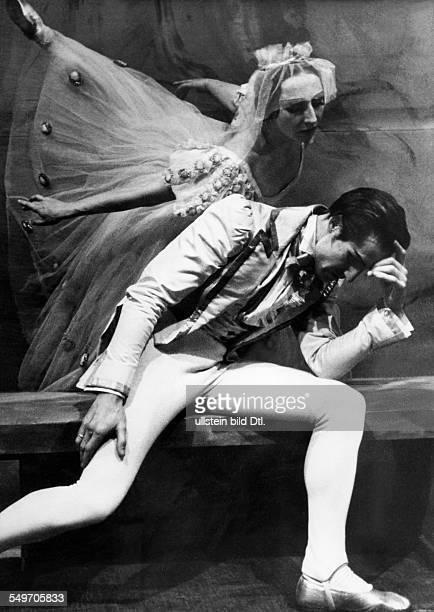 'KdF' ballet dancers D Anwelt and H Kalishovska are dancing a ballet by Friderica Derra de Moroda