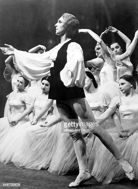 A 'KdF' ballet is dancing 'sylphs'