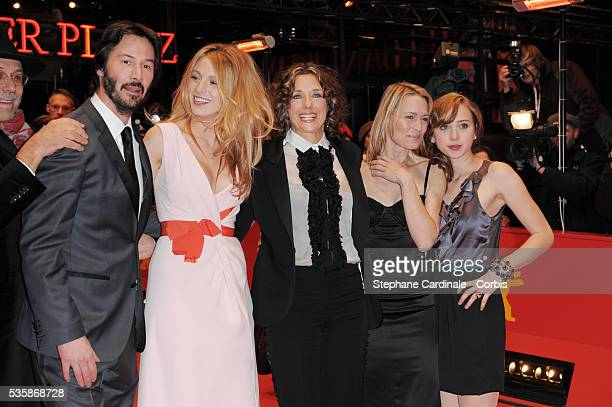 Keanu Reeves Blake Lively director Rebecca Miller Robin Wright Penn and Zoe Kazan attend the premiere of The Private Lives of Pippa Lee during the...