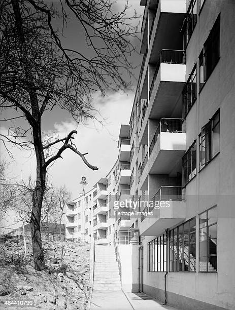 Keasal House Ladbroke Grove Kensington London Showing the curved west elevation of Keasal House The building is constructed of concrete with many of...