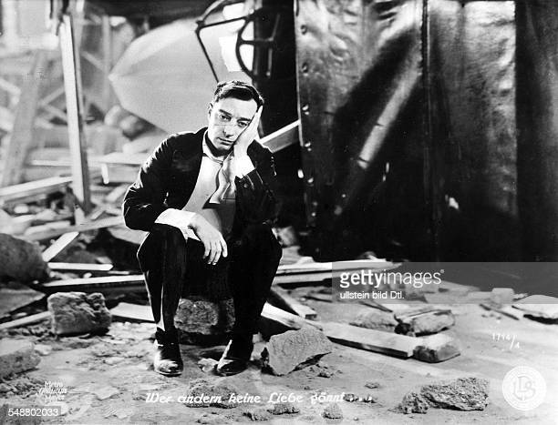 Keaton, Buston - Comic actor, USA - *04.10.1895-+ Scene from the movie 'The Passionate Plumber' Directed by: Edward Sedgwick USA 1932 Film...