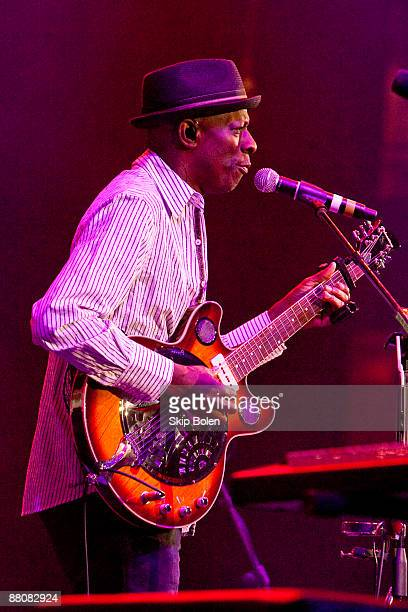 Keb Mo performs during the Domino Effect benefit concert at the New Orleans Arena on May 30 2009 in New Orleans Louisiana