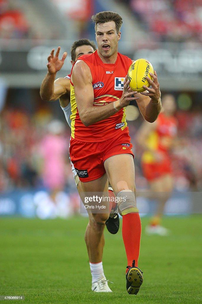 AFL Rd 10 - Gold Coast v Sydney : News Photo