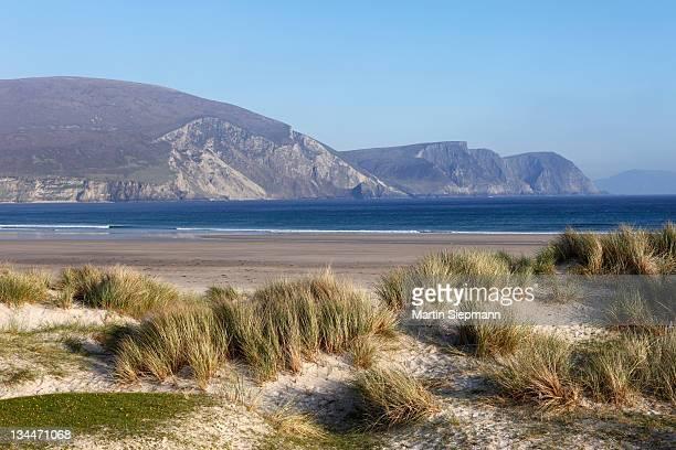 Keel Beach, cliffs and the Dooega Head, Achill Island, County Mayo, Connacht province, Republic of Ireland, Europe