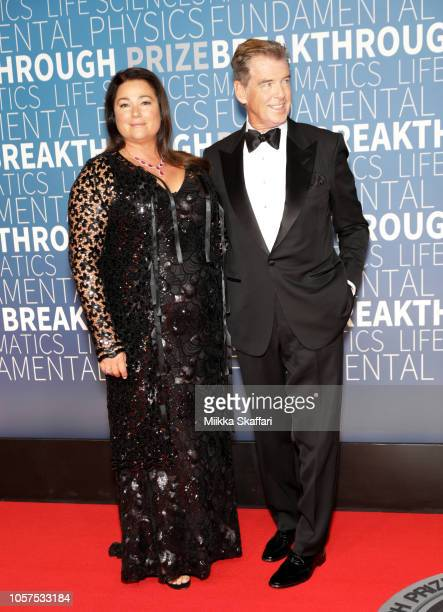 Keely Shaye Smith and Pierce Brosnan attend the 2019 Breakthrough Prize at NASA Ames Research Center on November 4 2018 in Mountain View California