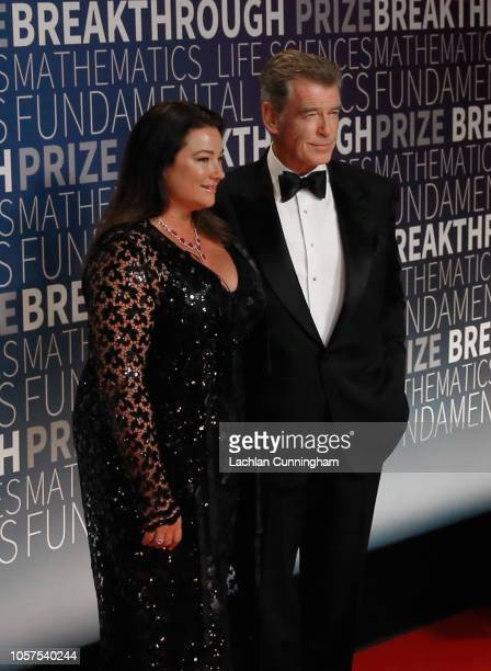 Keely Shaye Smith and Pierce Brosnan attends the 2019 Breakthrough Prize at NASA Ames Research Center on November 4 2018 in Mountain View California