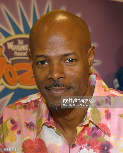 Keenen Ivory Wayans during Keenen Ivory Wayans Shawn Wayans and Marlon Wayans InStore Appearance at BlockBuster in Manhattan June 11 2005 at...