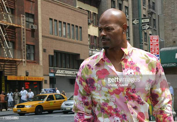 Keenen Ivory Wayans during The Wayans Brothers Instore Appearance at BlockBuster in Manhattan at BlockBuster in New York City New York United States