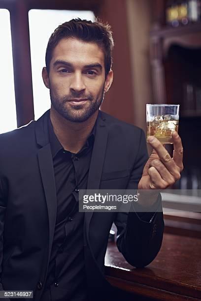 Restez calme et verre de whiskey