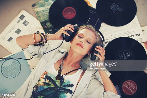 keep calm and let the music play on - luisteren stockfoto's en -beelden