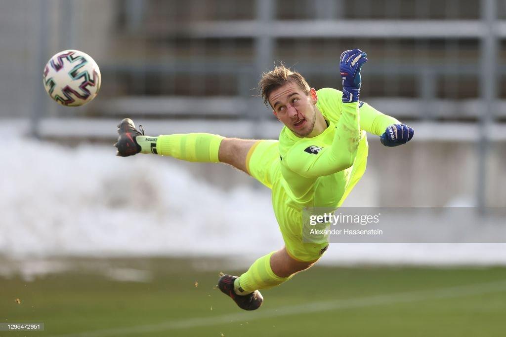 Bayern Muenchen II v TSV 1860 Muenchen - 3. Liga : ニュース写真