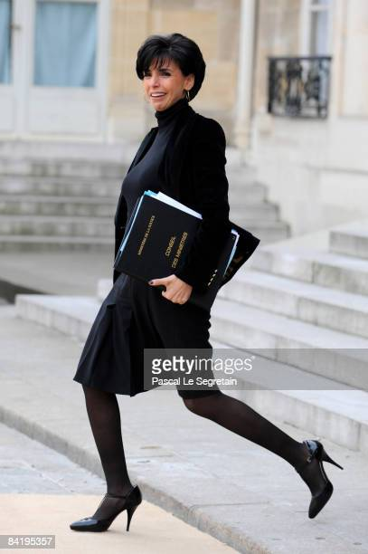 Keeper of the Seals and Minister of Justice Rachida Dati leaves the first Weekly French Cabinet Meeting of the Year in Elysee Palace on January 7...