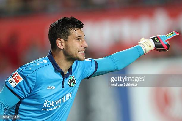 Keeper Philipp Tschauner of Hannover 96 during the Second Bundesliga match between 1 FC Kaiserslautern and Hannover 96 at FritzWalterStadion on...
