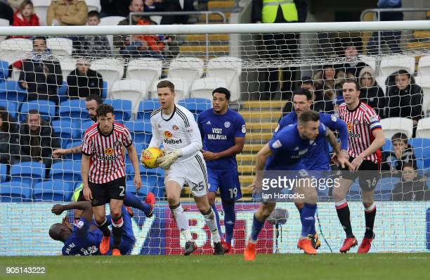 Keeper Robin Ruiter of Sunderland brings out the ball during the Sky Bet Championship match between Cardiff City and Sunderland at Cardiff City...