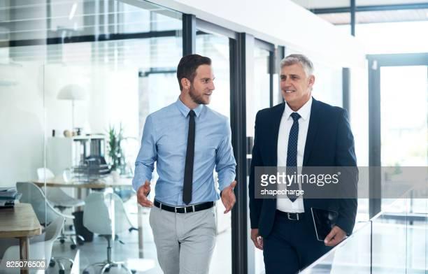 Garder les uns sur les autres mises à jour entre les réunions