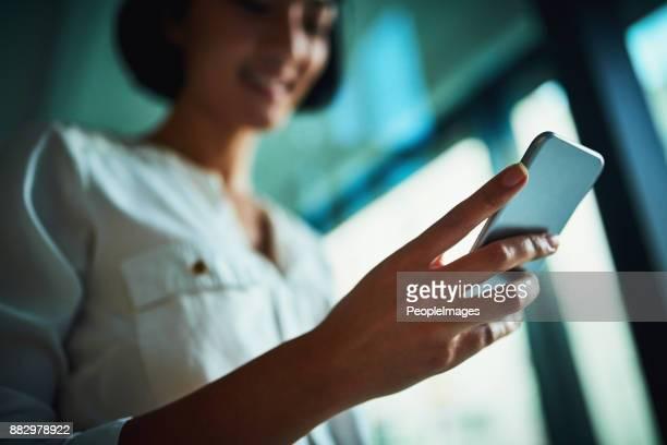 Gardant ses contacts d'affaires à portée de main
