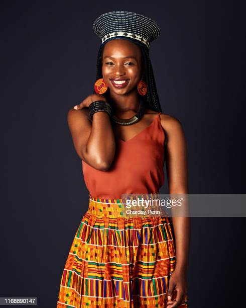 keeping her connection to her culture - zulu women stock pictures, royalty-free photos & images