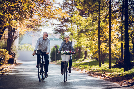 Keeping the body strong with regular bicycle rides 1045299998