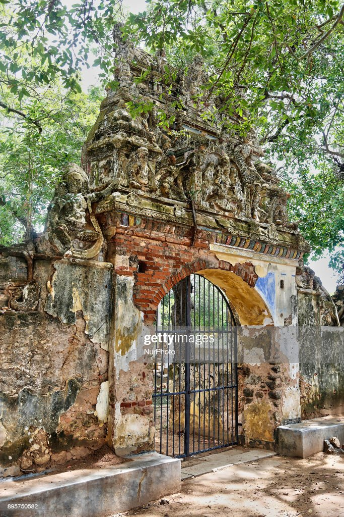 Naguleswaram Hindu Temple In Keerimalai Sri Lanka Pictures - Where is sri lanka located
