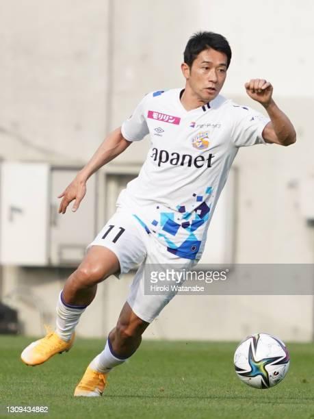 Keiji Tamada of V-Varren Nagasaki in action during the J.League Meiji Yasuda J2 match between Omiya Ardija and V-Varen Nagasaki at the NACK5 Stadium...