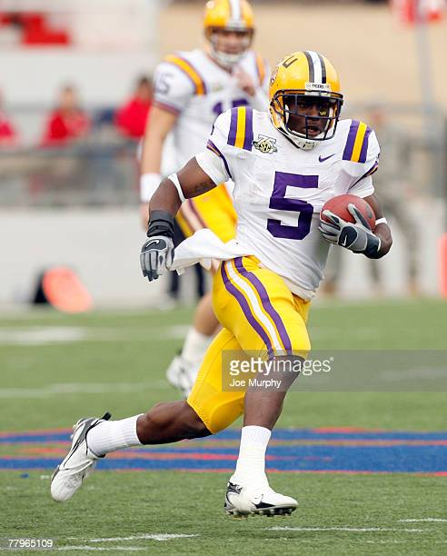Keiland Williams of the LSU Tigers runs against the Mississippi Rebels at VaughtHemingway Stadium at Hollingsworth Field November 17 2007 in Oxford...