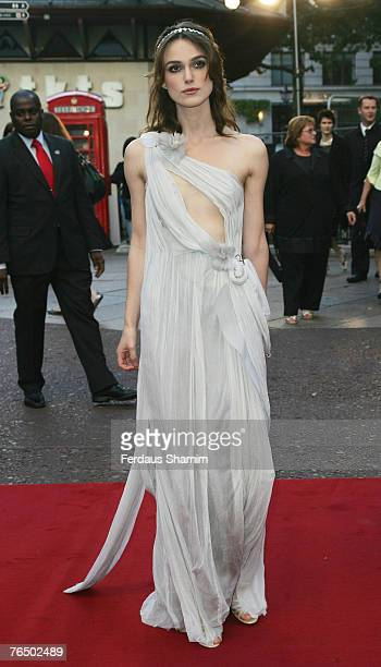 Keira Knightley arrives at the Atonement UK Premiere on September 3, 2007 in London, England.