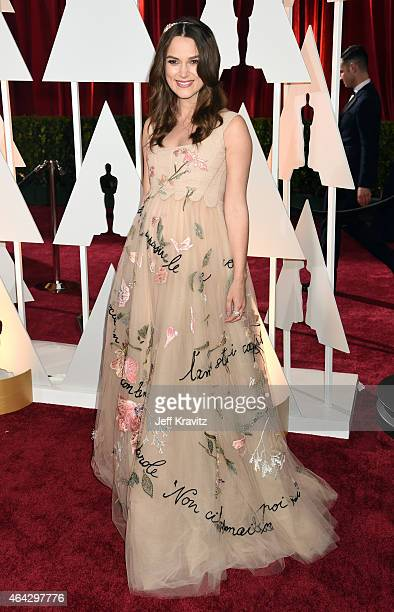 Keira Knightley attend the 87th Annual Academy Awards at Hollywood & Highland Center on February 22, 2015 in Hollywood, California.