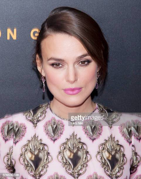 Keira Knightley attends The Imitation Game premiere at the Ziegfeld Theatre in New York City �� LAN