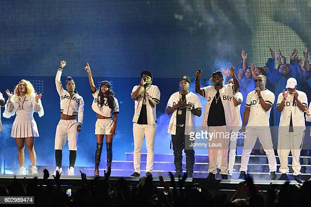Keisha Spivey Epps Pamela Long and Kima Raynor of Total Carl Thomas Sheek Louch of The Lox Sean 'Diddy' Combs aka Puff Daddy112 and Mase preform...