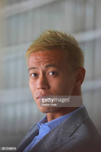 Keisuke Honda of Pachuca looks on prior the 1st round match between Pumas UNAM and Pachuca as part of the Torneo Apertura 2017 Liga MX at Olimpico...