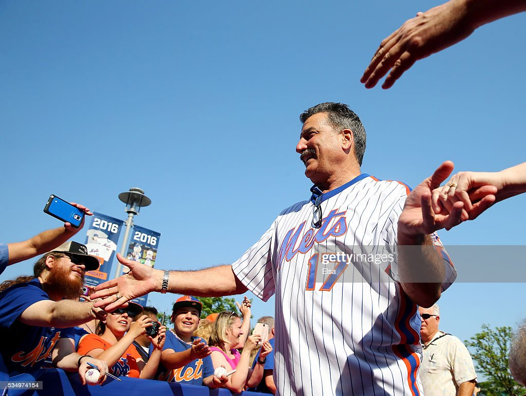 Keith Hernandez #17 of the 1986 New York Mets greets the fans as he walks the red carpet before the game between the New York Mets and the Los Angeles Dodgers at Citi Field on May 28, 2016 in the Flushing neighborhood of the Queens borough of New York City. The New York Mets are honoring the 30th anniversary of the 1986 championship season.