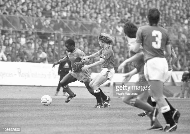Keith Jones of Chelsea in action during the Canon League Division One match between Chelsea and Manchester United held on October 26 1985 at Stamford...